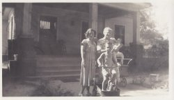 Marilyn, Ben Jr. & Gary Gammons & Lucy Coltrane - Smithfield.jpg
