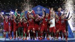 liverpool-lifts-champions-league-trophy.jpg